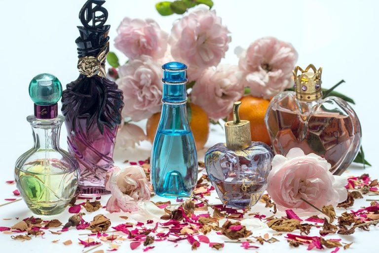 Comment choisir un parfum pour femme : 3 trucs faciles