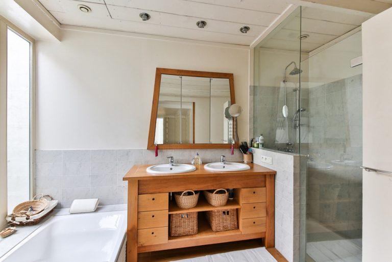 Conseils pour rendre une salle de bain tendance
